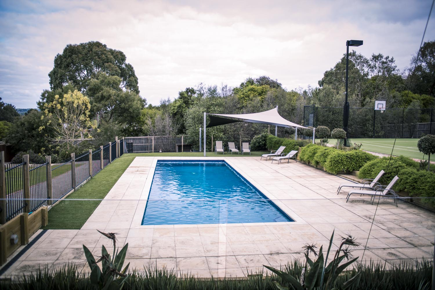 Essential tips for designing and planning your pool for Swimming pool surrounds design