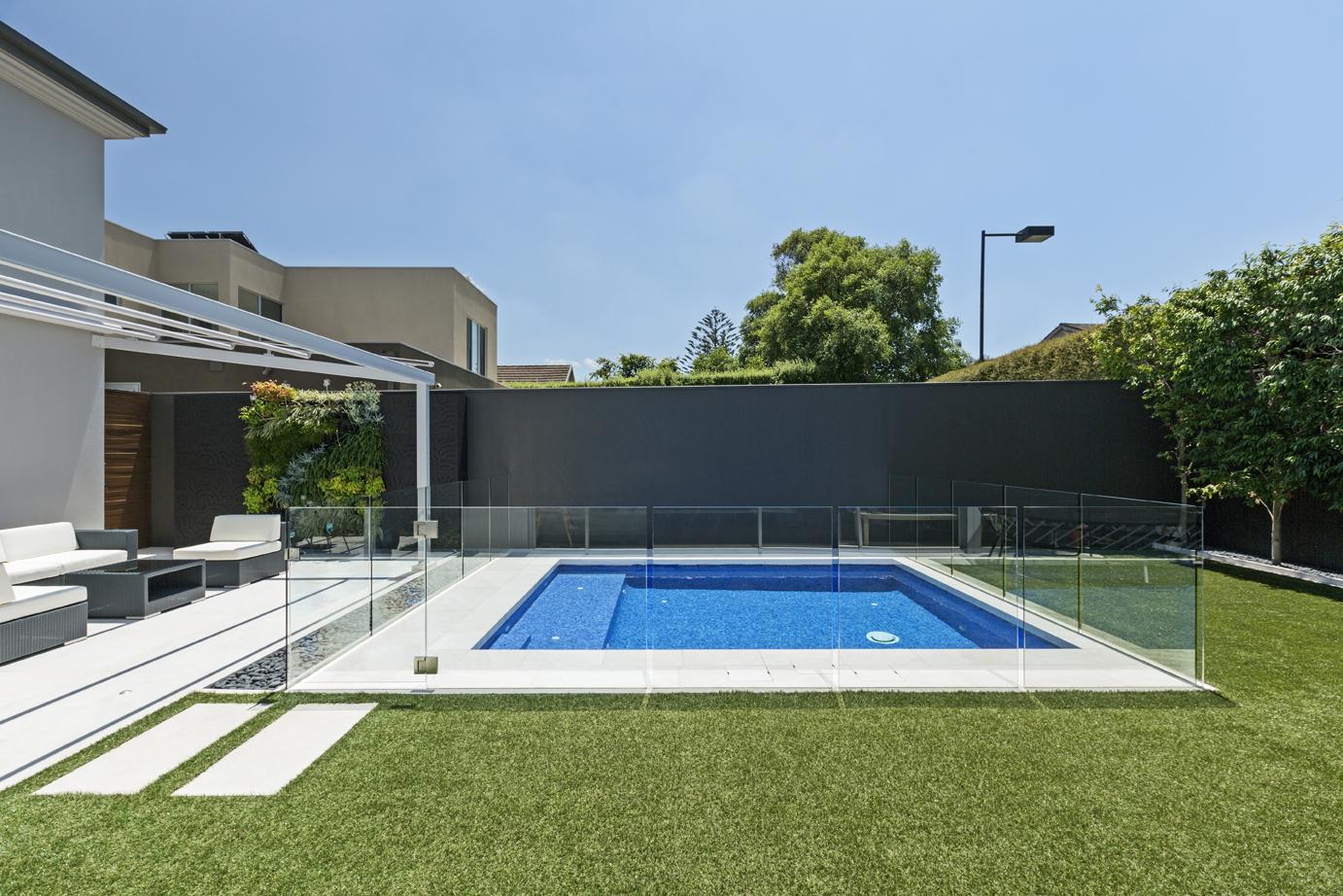 A pool that uses space efficiently
